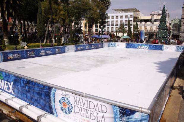 Pista de hielo de 2015 en Puebla